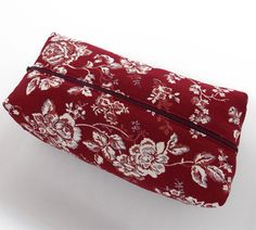 Makeup Bag with top Zipper Pouch cosmetic cloth with by lunambra, €20.00