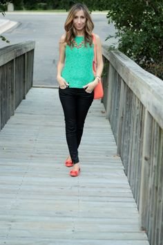 turquoise top / coral necklace / dark skinnies / coral flats