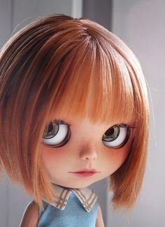 so cute - Blythe Pretty Dolls, Beautiful Dolls, Little Doll, Custom Dolls, Doll Face, Big Eyes, Blythe Dolls, Doll Toys, Her Hair