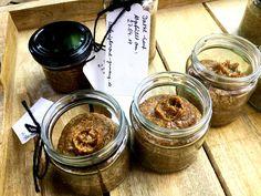 Dattel-Senf - ein süßer Senf ohne Zucker. Mit nur 6 Zutaten kannst du deinen eigenen leckeren Senf herstellen. Reifezeit von 2 - 3 Wochen einhalten.