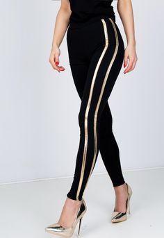Čierne legíny s dvojitými zlatými pásikmi - ROUZIT.SK Striped Pants, Capri Pants, My Style, Style Fashion, Stripped Pants, Capri Trousers, Striped Shorts, Stripe Pants, Fashion Styles