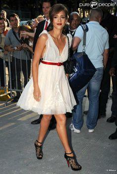 Jessica Alba au défilé Chanel le 6 juillet 2010 à Paris