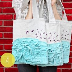 For your inner 'bag lady' - check out my favorite DIY totes & clutches! Image via See Kate Sew.