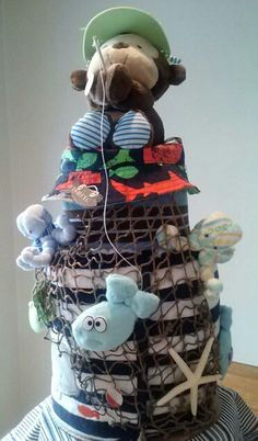 A diaper cake made by my sister for a couple who have a passion for fishing… Shower Bebe, Baby Shower Fun, Baby Shower Cakes, Baby Shower Themes, Baby Shower Gifts, Shower Ideas, Diaper Cake Boy, Nappy Cakes, Baby Lane