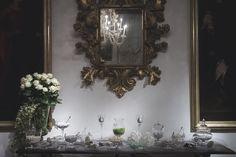 candy bar - confettata - decorazioni in swarosky e tulipani bianchi - decors by tulips and swarosky - wedding in italy - wedding planner perfectday.it weddingitalianstyle.co.uk - wedding decor - idee decorazioni matrimonio - fiori - flower - tulipani - tulip - rose - bianco - white - verde - green - glitter - candle - candele