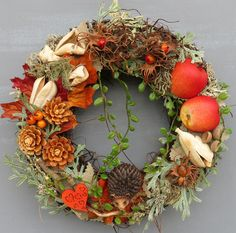 Herbstlicher Türkranz als Wohnaccessoire, festliche Deko / autumnal door wreath as home accessory, festive decor made by Deko-Idee-Eolion via DaWanda.com