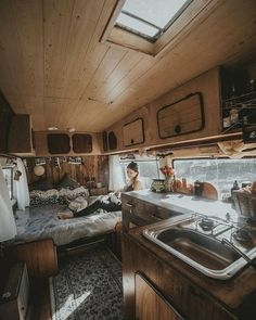 Forum for discussions related to living a nomadic life on the road. This includes Van life, RV life, Bus life, etc. Bus Camper, Kombi Motorhome, Camper Life, Rv Campers, Travel Camper, Van Travel, Teardrop Campers, Sprinter Camper, Zelt Camping