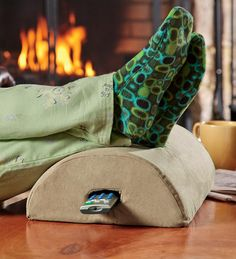 Smushion Cushion Foot Rest With Remote Holder