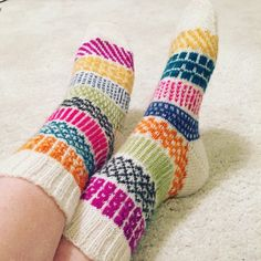 img_1235 Wool Socks, Knitting Socks, Boot Toppers, Bonnet Hat, Colorful Socks, Knitting Patterns, Knit Crochet, Diy And Crafts, Slippers