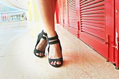 black heels #laelanblog #shoeaddict #fashionblogger #indianblogger #personalstyle