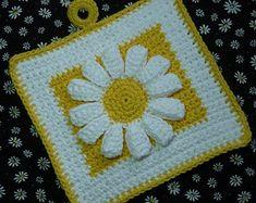 Crochet Potholder Patterns, Crochet Motifs, Crochet Buttons, Crochet Dishcloths, Crochet Diagram, Crochet Squares, Crochet Granny, Easy Crochet, Crochet Daisy