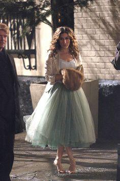 Le tutu revient à la mode ! Ici, Carrie Bradshaw dans Sex and The City avec une jupe tutu vert.