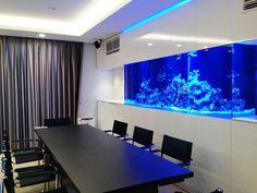 部屋に水槽   セレクトされたインテリアとの ... Marine Aquarium, Background Ideas, Beautiful Fish, Water Tank, Fish Tank, Interior, House, Fish Tanks, Hipster Stuff