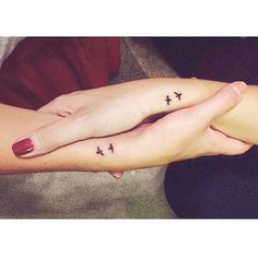 A most thorough guide on Best friend tattoos (BFF tattoos). They make a memorable gift which two friends can give to each other. - Part 2 Cousin Tattoos, Cute Best Friend Tattoos, Matching Best Friend Tattoos, Sibling Tattoos, Tattoos For Daughters, Tattoo Sister, Bestie Tattoos Bff, Cute Matching Tattoos For Bestfriends, Unique Sister Tattoos