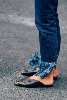 Frayed cotton denim is becoming a big trend and seen on the streets of fashion week. @discovercotton #sponsored #shopcotton