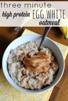 Clean eating : Three Minute High Protein Egg White Oatmeal Recipe - A super simple recipe for a satisfying bowl of oatmeal! Clean eating : Three Minute High Protein Egg White Oatmeal Recipe - A super simple recipe for a satisfying bowl of oatmeal! Pancakes Protein, Protein Packed Breakfast, Breakfast Recipes, Protein Foods, Protein Fruit, Protein Donuts, Healthy Egg Breakfast, Protein Packed Snacks, Clean Breakfast