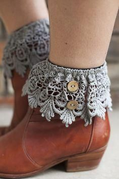 Knitting Accessories Diy Boot Cuffs 44 Ideas For 2019 Crochet Leg Warmers, Crochet Boot Cuffs, Crochet Boots, Crochet Clothes, Diy Clothes, Lace Boot Cuffs, Boot Jewelry, Boot Bling, Boot Toppers