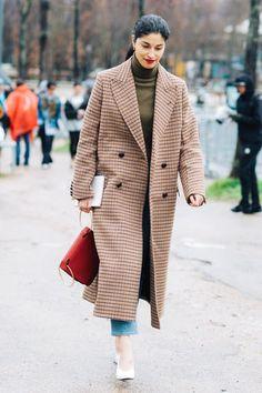 2017 2018 SONBAHAR KIŞ PARİS MODA HAFTASINDAN SOKAK STİLLERİ Street style at Paris Fashion Week Fall/Winter 2017 2018 #fashion #moda #fashionweek #modahaftası #fall #sonbahar #winter #kış