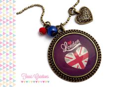 Collier sautoir cabochon - I LOVE LONDON - coeur breloque bronze perles bleu rouge londre verre : Collier par tinais-creations