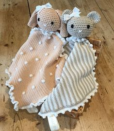 Crochet with Kate: Animal Taggy Blankets!Animal taggy blankets: Made beige and white bunny with bobble trim.FREE Animal taggy blanket crochet tutorials from Kate Eastwood on the…LoveCrochet How adorable are these little taggy blankets? Crochet them Crochet Lovey, Crochet Blanket Patterns, Baby Blanket Crochet, Crochet Dolls, Baby Patterns, Knit Crochet, Crochet Rabbit, Crochet Edgings, Afghan Patterns