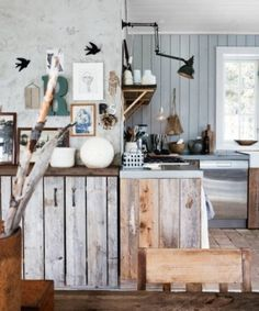 Cabin kitchen with a great light idea