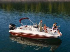 Choose a versatile and comfortable Cypress Cay pontoon boat for your family's lifestyle. Perfect for cruising the lake, watersports, parties and fishing. Deck Boats, Bayliner Boats, Cool Boats, Speed Boats, Premier Pontoon, Luxury Pontoon Boats, Fish Model, Pontoons, Canoes