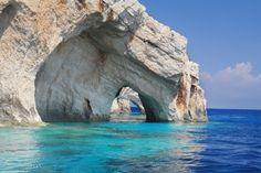 7 ilhas gregas + a mais bela praia do mundo = um paraíso em terra | Skyscanner