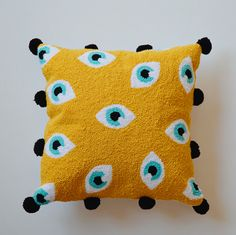 Punch pillow video is now on the channel verAnd I promised you the punch kit . Cute Pillows, Diy Pillows, Throw Pillows, Punch Needle Patterns, Boho Diy, Punch Art, Rug Hooking, Needle And Thread, Diy And Crafts