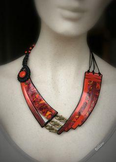 Collier lumineux rouge en argile polymère : Collier par bellou