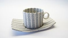 Mandy Cheng Porcelain: Collection 'Illusion' - teapots and tea cups