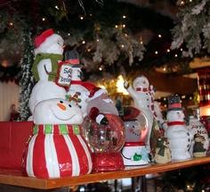 Milleridge Inn Christmas Village 2018.14 Best The Milleridge Village Images Toy Store Bread