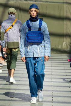 Junya Watanabe Spring 2019 Menswear Fashion Show Collection Vogue Paris, Bohemian Style Men, Winter Fashion Boots, Winter Boots, Stylish Mens Fashion, Fashion Show, Fashion Design, Paris Fashion, Fashion Styles