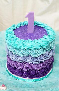 Purple Birthday Cake For Girls First Birthday Cakes, Birthday Cake Girls, Birthday Ideas, 5th Birthday, Birthday Makeup, 1 Year Old Birthday Cake, Purple Birthday Cakes, Birthday Themes For Girls, First Birthday Decorations Girl