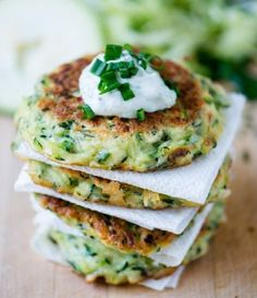 Pin for Later: 28 Healthy Zucchini Recipes That Go Beyond Zoodles Zucchini Fritters Get the recipe: zucchini fritters Vegetarian Recipes, Cooking Recipes, Healthy Recipes, Delicious Recipes, Healthy Zucchini, Recipe Zucchini, Zucchini Parmesan, Parmesan Crusted, Crusted Chicken