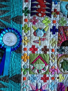 Lorena's Patchwork & Quilting Notes: It's a Blue Ribbon quilt! love love the pieced sashing
