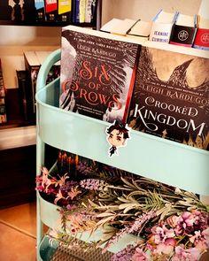 #bookrecommendation #bookrecs #tbr #bookworms #bookworld #bookwormproblems #bookshelves #bookcase #sixofcrows #yafantasy Reading Tree, Bookworm Problems, Six Of Crows, Book Recommendations, Book Worms, Tags, Books, Livros, Book Nerd