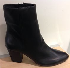 d6a9dbeeb8c 19 Best Shoes images | Shoe boots, Me too shoes, Flats
