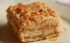 This Homemade Coffee Cake is incredibly delicious, easy to make, moist, and topped with a cinnamon streusel topping. Easy Apple Cake, Apple Cake Recipes, Köstliche Desserts, Delicious Desserts, Shortbread, Romanian Desserts, Streusel Topping, Healthy Cake, Russian Recipes