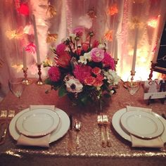 Table arrangement from @vogue!  Having fun at the @rvaweddings bridal show!