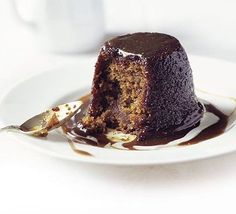 Make a delicious sticky toffee pudding with this easy recipe, perfect for everyday baking and occasions. Find more cake recipes at BBC Good Food. Pudding Recipes, Cake Recipes, Dessert Recipes, Party Recipes, Dessert Ideas, Toffee Sauce, Muffins, Bbc Good Food Recipes, Bbc Recipes