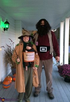 Real work done in real time ! Harry Potter Family Costume, Harry Potter Halloween Costumes, Pregnant Halloween Costumes, Homemade Halloween Costumes, Halloween Costume Contest, Family Costumes, Couple Halloween, Zombie Costumes, Group Costumes