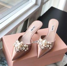 Pretty Shoes, Beautiful Shoes, Cute Shoes, Me Too Shoes, Bridal Shoes, Wedding Shoes, Shoe Boots, Shoes Sandals, Cinderella Shoes