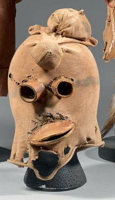 ¤ KOOYEMSI - Cagoule Kooyemsi Tête-de-Boue (Antes, ) ou cagoule de Clown Koyemsi (Colton 59). Circa 1940 - 1950 Hopi, Arizona, U.S.A.