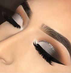 58 Latest Makeup Trends in 2019 - ~Make Up~ - Black Eye Makeup, Grey Makeup, Makeup Eye Looks, Dramatic Makeup, Cute Makeup, Gorgeous Makeup, Silver Eye Makeup, Makeup For Grey Dress, Sparkly Eye Makeup