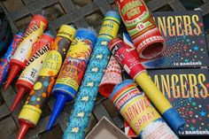 some brilliant and colourful artwork on fireworks from way back in the day. Take a trip down memory lane and remember the good old days of fireworks. Fireworks Box, Vintage Fireworks, Bonfire Night Guy Fawkes, Standard Fireworks, Simple Artwork, Firecracker, Childhood Memories, Old School, Crafty