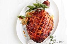 Covered in a sticky sweet and spicy glaze, this is the Christmas ham of your dreams. Christmas Ham Recipes, Honey Mustard Glaze, Honey Glazed Ham, Roasted Ham, Ham Glaze, How To Cook Ham, Smoked Ham, Spiced Rum, Sweet And Spicy