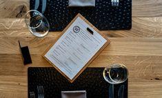 Restaurant - Einrichtung, Schaan - Scanaua, Logo, Eiche Massiv, Modern Design, Skandinavisches Design, Gedeckter Tisch, Menükarte, Innenarchitekt - id Werkstatt