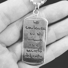 Buenos Días #soñadores LA #CONFIANZA EN SÍ MISMO ES EL #SECRETO DE #ÉXITO !!!!!! Good morning #lovers the #confidence in #yourself is the #secret of #success !!!!!! A lo que hay que añadir trabajo  duro ser constante dar el Maximo de uno mismo #luchar #arender y por supuesto hacer las cosas con #amor . #lucha #vive #ama #crece #aprende #joyashechasconamor #joyas #gold #jewelry #jeweler #style LA FELICIAD ESTÁ EN EL CAMINO #feliz #felicidad by danielnicols