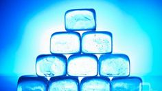 Make Fancy, Crystal Clear Ice Cubes With Boiled Water