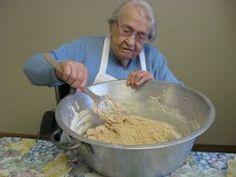 Almost 102-year-old Brainerd resident makes bread for Breath of Life residents | BrainerdDispatch.com | Brainerd, Minnesota
